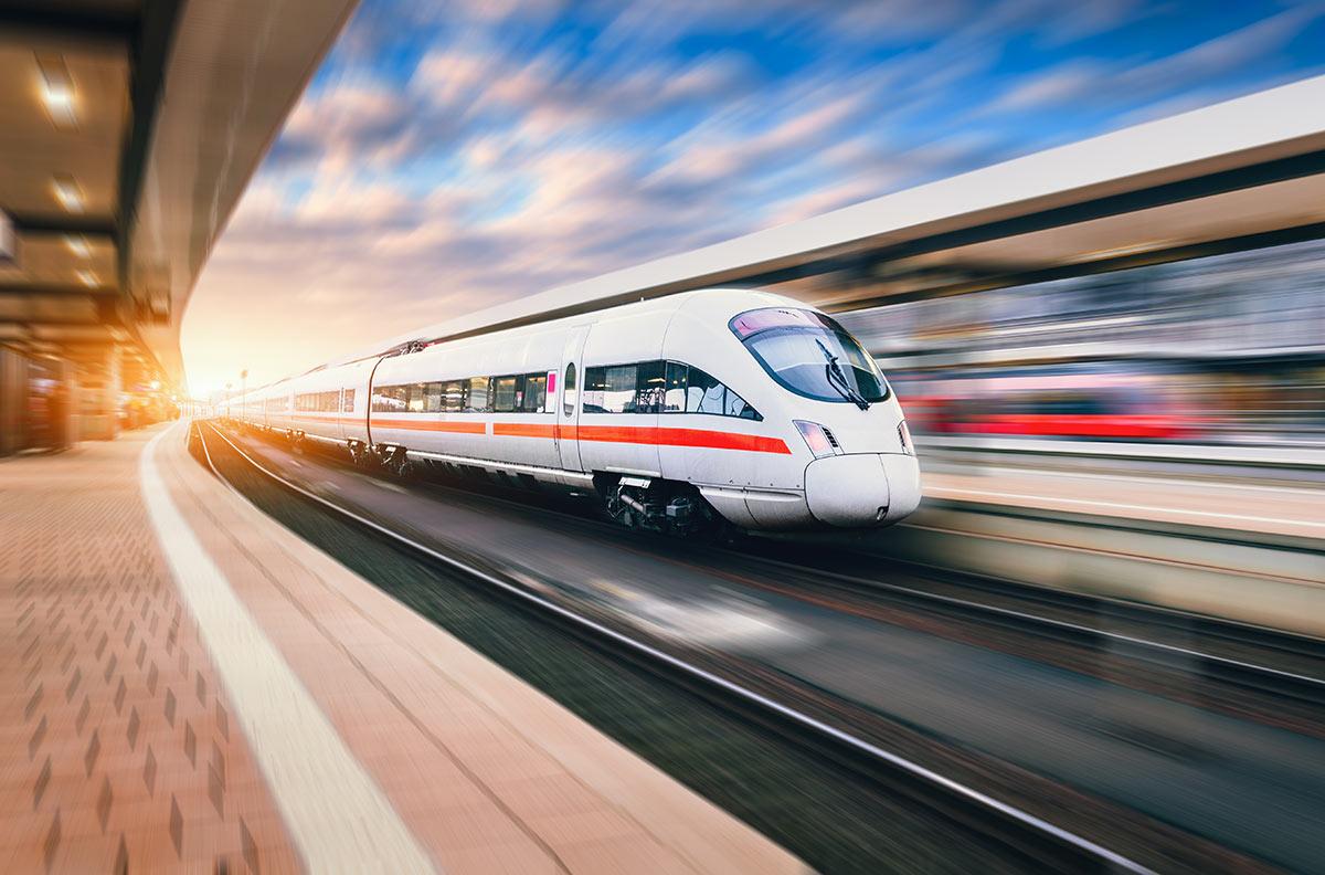 อีอีซี  รถไฟความเร็วสูง